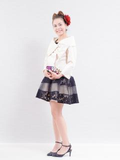 ドレスギャラリー蘭_白ボレロの上品スタイル。気温調節にも便利