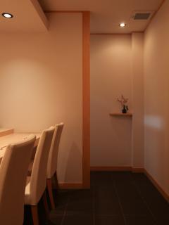 鮨 紺乃_コース料理をお楽しみください