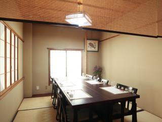 日本料理 松廣_大小さまざまなタイプの個室でごゆっくり