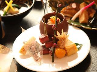 日本料理 松廣_毎月変わる懐石料理で四季を感じて