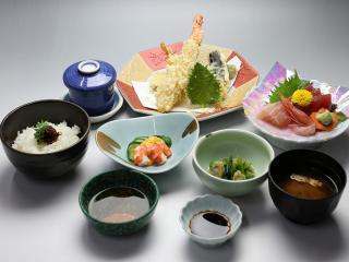 寿司・一品料理 日本泉の写真3