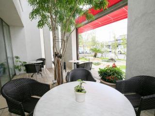 Di Coltura 本店_庭とテラスがリゾート感を演出します