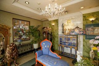 高級輸入家具&ヨーロピアン雑貨専門店 PARUSA_エントランス