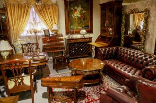 高級輸入家具&ヨーロピアン雑貨専門店 PARUSA_2階