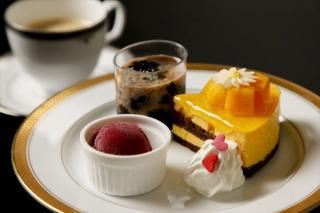 Cafe de Realite_本日のケーキセット
