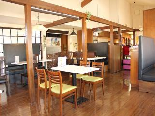 アメリカンワッフル&クレープ専門店 Miss Betty 本店_ご家族でくつろげるカフェスペース