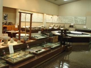 瑞浪市陶磁資料館の写真