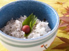 田楽と並ぶこちらの名物がこの菜飯。大粒で甘みの豊かな岐阜産の米「初霜」を使い、大根の葉の爽やかな香り...