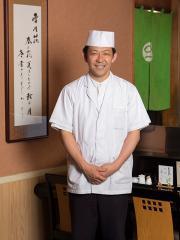 名古屋や岐阜で30年以上も腕をふるってきた店主の矢島一郎さん。素材の持ち味を最大限にいかすことを基本に...