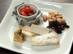 酒肆肴処 やまなみ_こだわりのチーズ盛合せ…1,500円