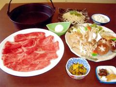 すきやきコース 一度食べてもらいたいと料理長が選び抜いた和牛の旨さは絶品!コース内容は小鉢、牛ロース...