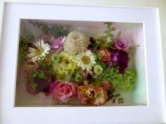 テーブル装花をレカンフラワーに|披露宴でのテーブル装花をレカン加工で美しく保存。いくつも作って、親族...