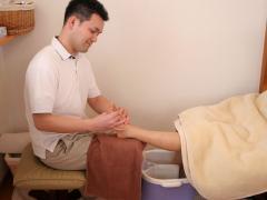 「足つぼは痛そう…」と思われる方も多いですが、『フォレストベル』ではお客様にに合わせた力加減で施術致...