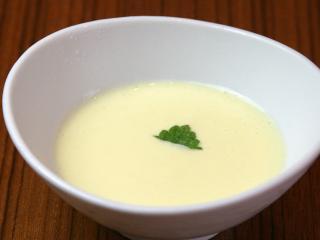 旬のスープ一例
