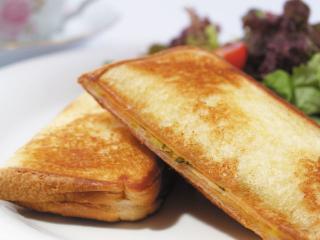DOLCI cafe_とろーりチーズとハムの「クロックムッシュ」