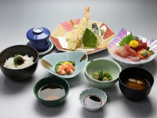 寿司・一品料理 日本泉味にも量にも自信アリ_写真