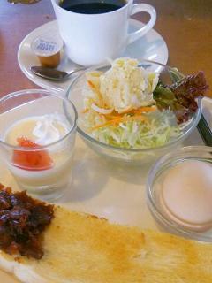カフェレスト ポインセティア_小倉トーストとお好きな飲み物セット