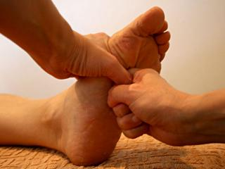 足ツボ|リンパを流すことに重点を置きながら、さまざまな手法を取り入れて足の疲労もすっきりとさせてくれ...