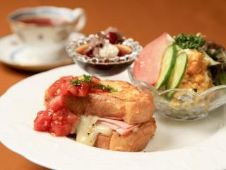 茶洋館マサラ_5食限りのブランチセット…790円