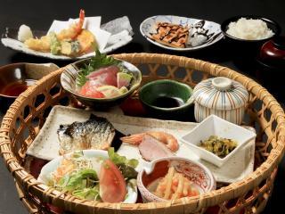 和食・洋食ダイニング 楽の写真3