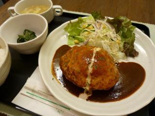 Sorgente(ソルジェンテ)_目玉焼&デミハンバーグ…1,370円