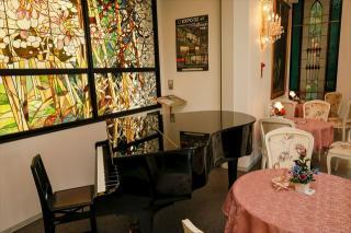 高級輸入家具&ヨーロピアン雑貨専門店 PARUSA_ステンドグラス館
