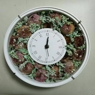 時計|10周年の記念に頂いたブーケを、時計のインテリアに。