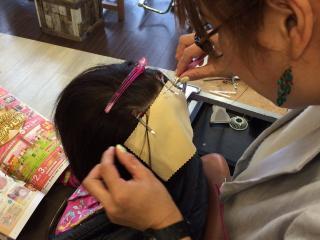 施術例|カット・パーマ・カラーも今までどおりOK。増毛エクステの専門スタッフが施術いたします。完全予約...