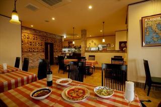 Cucina Italiana La Mora_店内はゆったりと広々空間