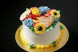 フラワーキャラクターケーキ|大好きなキャラクターや、贈る相手の似顔絵など、希望に沿ってデコレーション...