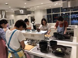 料理教室 MAGO Cooking Studio_おひとりでのご参加も安心です
