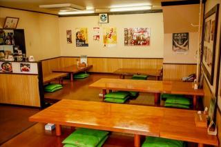 韓国料理 錦山_広い店内にはお座敷とテーブル