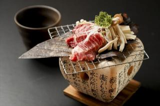 こう季。_飛騨高山名物 牛朴葉味噌焼き…950円