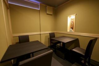 しっとりと静かに食事を楽しむ個室|落ち着いた個室空間は、大切な人との記念日や、接待にも最適。夜はご予...