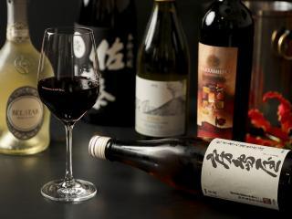 ドリンク各種|ワインをはじめ、焼酎、日本酒、カクテルとお酒の種類も豊富。メニュー表に掲載されていない...