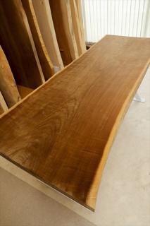 天然一枚板加工販売 木楽(住託考房)の写真1