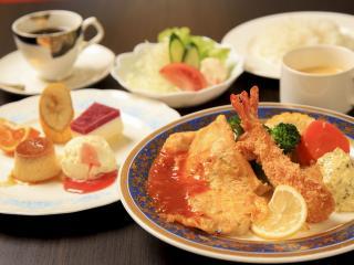 cafe brasserie マタギ亭_日常のなかでちょっと贅沢 カフェランチ_写真1
