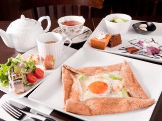 ガレット専門店 cafe apres-midi_日常のなかでちょっと贅沢 カフェランチ_写真1