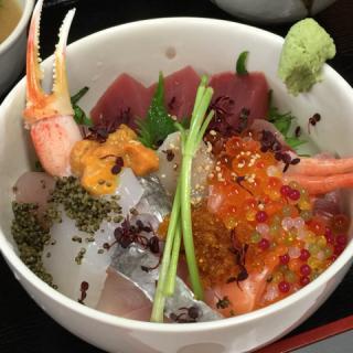 鮮魚専門店・お食事処 「魚」_お花は満開 お腹は満腹! 春のお弁当・テイクアウト特集_写真1