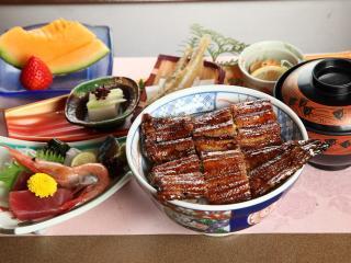 お料理家まごろく_ガッツリ食べたい! スタミナ料理特集_写真