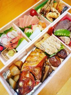 お持ち帰り折詰オードブル|季節の食材で作る『日和』特製の折詰オードブル。旬の味覚を散りばめた、季節感...