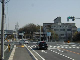 関・岐阜方面から 県道345号(関坂祝線)を坂祝方面へ進み、「西田原」の点滅信号交差点を過ぎて、500m程先...