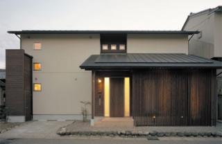 E邸新築工事|平成19年度 岐阜市都市景観賞受賞。 中山道沿いに建てられた住宅で、新しい建物ではあるが...