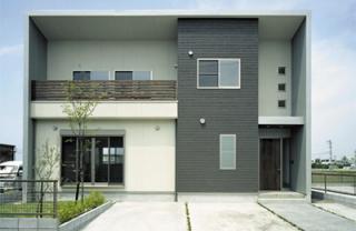 F邸新築工事|全ての部屋を南に向けた居住性重視の建物になっており、あくまでもシンプルな外観ながら町並...