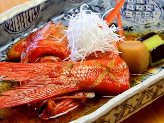 その日の仕入れの具合で色々変化するのが魚介料理の楽しさ。