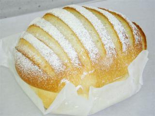 お米のイタリアンローフ…300円|外はサクッ、中はしっとり&もちもちの優しい新食感。小麦粉のパンとは違う...